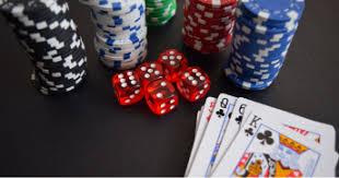 Di internet, Evaluasi poker Online Ditawarkan Untuk Menang Bonus poker Online