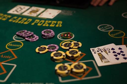 Ternyata Bermain Poker Banyak Manfaat Yang Di Peroleh